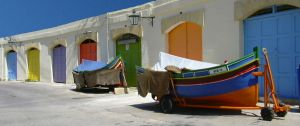 570745_pretty_garage_doors_and_boats[1]